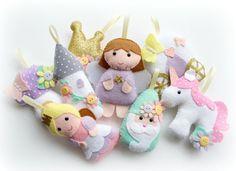 Make Your Own felt Princess Garland Kit. Sewing pattern. DIY