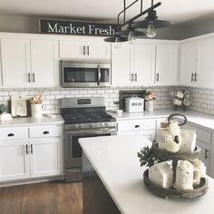 The kitchen that is top-notch white kitchen , modern kitchen , kitchen design ideas! Farmhouse Kitchen Decor, Kitchen Redo, Home Decor Kitchen, New Kitchen, Home Kitchens, Kitchen Dining, Kitchen Cabinets, Kitchen Modern, Soapstone Kitchen