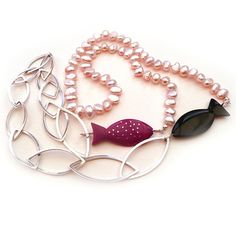 Greetje Sieders - collier, roze vis