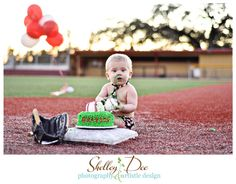 Could even do this minus the cake & with baseballs scattered around/ Birthday Baseball Cake Smash Session Shelley Dee Photography & Artistic Design Baseball First Birthday, Baby First Birthday, First Birthday Parties, First Birthdays, Baby Baseball, Baseball Party, Baseball Field, Birthday Photography, Cute Photography