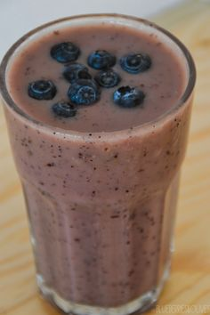 BLUEBERRY AND PEAR SMOOTHIE