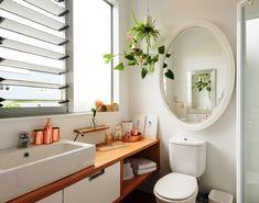 """177 curtidas, 4 comentários - OrganizAÇÃO (@organizacao.acao) no Instagram: """"Um sistema de organização simples permite a manutenção do dia-a-dia: Elimine todos os produtos sem…"""" Sweet Home, Plumbing Problems, Bathtub, Vanity, House Design, Cabinet, Mirror, Bathroom, Storage"""