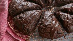 5 lý do bạn nên nướng bánh bằng socola thanh Bakers Chocolate, Chocolate Flavors, Chocolate Recipes, Chocolate Cakes, Semi Sweet Chocolate Chips, How To Make Chocolate, Just Desserts, Dessert Recipes, Breakfast Recipes