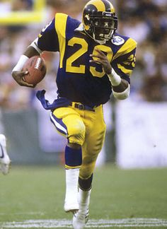 Eric Dickerson was the man for the LA Rams.very explosive!!