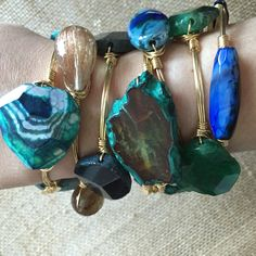 Bourbon and Boweties bangles! Two Cumberland is the Largest retailer of Bourbon and Boweties! Wire Jewelry, Jewelry Crafts, Jewelry Box, Jewelry Accessories, Jewelry Making, Jewlery, Handmade Bracelets, Bangle Bracelets, Wire Wrapped Bangles
