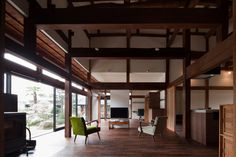 """""""Old Japanese timber house renovation"""" Four generations in Chiba, Collaboration of more than 90 years over """"Project Overview"""" ●Renovation project of housin. Japanese Style House, Traditional Japanese House, Japanese Design, Japanese Architecture, Interior Architecture, Interior Design, Japan Interior, Timber House, Beautiful Living Rooms"""