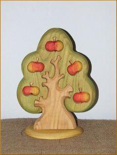 Apfelbaum von Geppettos-Holzträume auf DaWanda.com