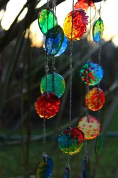 Tinker sun catcher - 60 smart craft ideas that give you more light and joie de vivre wind chimes sun catchers make melted granules Summer Crafts, Diy And Crafts, Crafts For Kids, Arts And Crafts, Carillons Diy, Melted Pony Beads, Pierre Decorative, Diy Wind Chimes, Melting Beads
