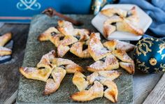finska julstjärnor Best Dessert Recipes, Fun Desserts, Fika, Tea Time, Cravings, French Toast, Goodies, Tasty, Breakfast