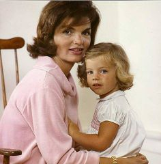Jackie and Caroline, summer 1960.