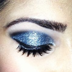 26 Ways To Make Glitter Your New Smokey Eye - BuzzFeed Mobile