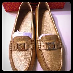 Tory Burch gold Kendrick loafers 11 Worn once Tory Burch gold Kendrick loafers size 11. Only two very small scuffs, one under the toe and the other under the heel, as shown. Comes with the box. Tory Burch Shoes Flats & Loafers