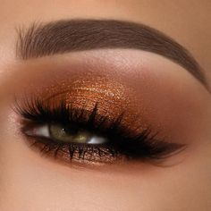 WARM IT UP Ignite your eyes in the MTHRS smokey eye make up,bronz eye make up Copper Eyeshadow, Bronze Eye Makeup, Cat Eye Makeup, Natural Eye Makeup, Eye Makeup Tips, Smokey Eye Makeup, Eyeshadow Looks, Makeup Inspo, Makeup Inspiration