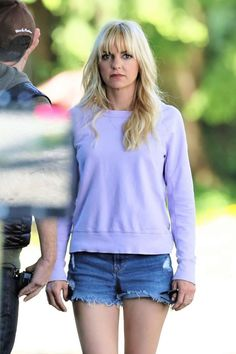 Anna Faris in Jeans Shorts on the set of 'Overboard' in Vancouver Most Beautiful Faces, Beautiful Women, Girl Celebrities, Celebs, Classy Women, Sexy Women, Anna Faris, Great Hair, Style Inspiration