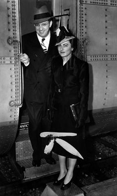 David O Selznick (May 10, 1902 - June 22, 1965) arrives in Los Angeles with his first wife, Irene Mayer Selznick, after the Atlanta premiere of the Gone With the Wind, 1939  did you know that his 'O' middle initial doesn't actually stand for anything???