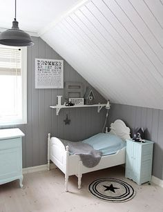 Attic bedroom - I really like the paneling. I should do this to Lily's room - Attic bedroom – I really like the paneling. I should do this to Lily's room Attic bedroom – I really like the paneling. I should do this to Lily's room House Of Turquoise, Attic Bedrooms, Kids Bedroom, Upstairs Bedroom, Bedroom Decor, Bedroom Furniture, Blue Furniture, Bedroom Ideas, Diy Kids Furniture