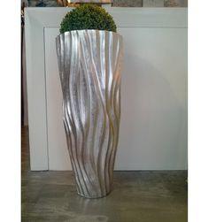 http://www.divahomeliving.de/shop/1029-thickbox_default/moderne-bodenvase-vase-silber-85-cm.jpg