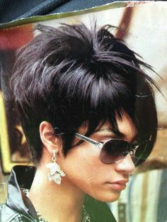 New nails cute haircuts Ideas Short Hair With Layers, Short Hair Cuts For Women, Layered Hair, Choppy Layers, Short Cuts, Funky Short Hair, Summer Hair Cuts Short, Cute Hairstyles For Short Hair, Bob Hairstyles