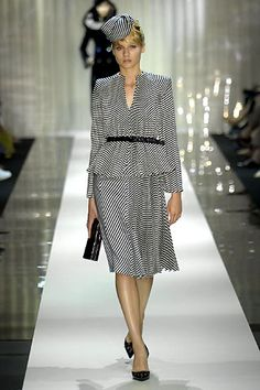 Armani Privé Fall 2006 Couture Collection Slideshow on Style.com