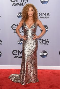 Chaley Rose at CMA's 2014, great face.