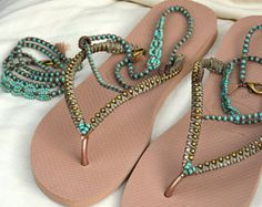 Flip Flops, Bohemian Sandals, Rose Gold Havaianas, Sandals & Bracelet Set, Foot Jewelry, Beach Sandals, Beaded Sandals, Boho Wedding Shoe