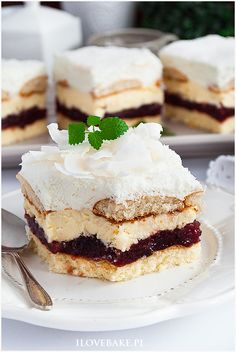 Ciasto Bajeczne - I Love Bake Polish Recipes, Polish Food, Food Pictures, Cookie Recipes, Delicious Desserts, Cheesecake, Food Porn, Easy Meals, Food And Drink