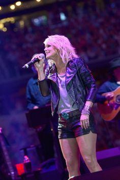 Miranda Lambert : George Strait's The Cowboy Rides Away Tour Final Stop At AT&T Stadium - Show