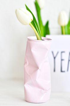Einfache Anleitung für eine Vase aus einer Blechdose. Schnell und kinderleicht gemacht!