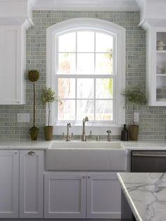 Farmhouse Kitchen Sink And backsplash