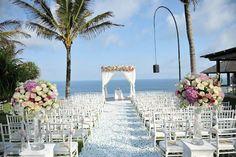 Bali wedding decoration | Project by Bali Wedding Paradise http://www.bridestory.com/bali-wedding-paradise/projects/kristina-olly