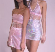 Pink and hologram fashion Aesthetic Fashion, Pink Aesthetic, Aesthetic Clothes, Pink Outfits, Fashion Outfits, Neon Party Outfits, Rave Party Outfit, Summer Outfits, Mode Chanel