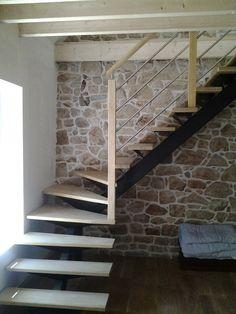 Escalier métal et bois, Limon central angulaire, quart tournant #escalier #deco