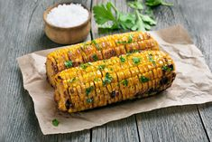 This is by far the best way to make corn on the cob. Super easy, just add corn to your air fryer and within minutes, you have delicious corn on the cob. Barbecue Recipes, Grilling Recipes, Grilling Corn, Grilling Tips, Barbecue Sauce, Nutrition Education, Chefs, Green Egg Grill, Green Egg Recipes
