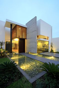 44 Most Popular Modern Dream House Exterior Design Ideas 17 - 44 most popular modern dream house exterior design ideas 17 Residential Architecture, Amazing Architecture, Contemporary Architecture, Interior Architecture, Architecture Graphics, Luxury Interior, Villa Design, Modern House Design, Modern Exterior