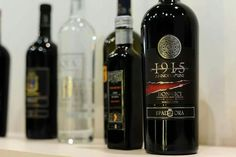 http://www.calagusto.com/prodotto/1915-rosso-dop/ La storia si racconta con i fatti: 1915 Rosso della cantina  Ippolito Spadafora    #vino #rosso #food #calabria #tradizione #followus #madeinsud #chef #ristorante #ricette #wines