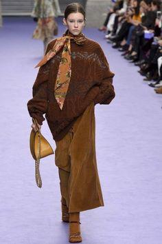 Mulberry ready-to-wear autumn/winter '17/'18 - Vogue Australia