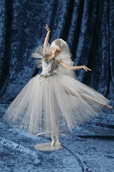 Barbie Clothes, Barbie Dolls, Baby Girl Dresses, Flower Girl Dresses, Ballerina Barbie, Anime Drawings Sketches, Beautiful Dolls, Art Dolls, Ballet Dance