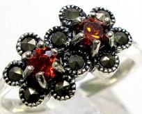 $32.99 I pay the slice & Free ship & 1 photon given~MARCASITE GARNET 925 STERLING SILVER RING SIZE 8