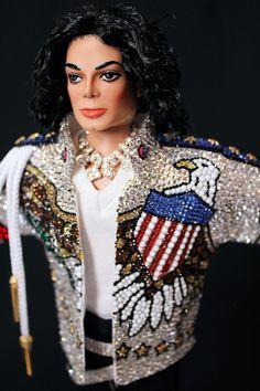 Michael Jackson United We Stand Doll Vintage Barbie, Vintage Dolls, Michael Jackson Figure, Monster High Boys, Barbie Celebrity, Jackson Family, The Jacksons, Black Barbie, Barbie World