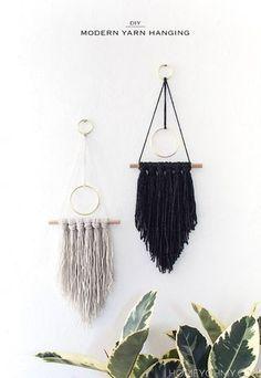 DIY Modern Yarn Hanging ★ Epinglé par le site de fournitures de loisirs créatifs Do It Yourself https://la-petite-epicerie.fr/fr/131-tricot-et-crochet-materiel-creatif ★