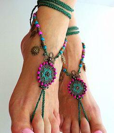 Barefoot sandaal, sandalen Boho, Hippie sandalen, voet sieraden, Boho enkelbandje, Magenta, groen, Gypsy sandalen, Bohemian chique, Mexicaanse bruiloft