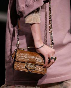 Coach-pre-fall-2019-details Luxury Bags, Luxury Handbags, Balenciaga Womens, Womens Fashion For Work, Fashion Bags, Women's Fashion, Evening Bags, Coach Bags, Leather Bag