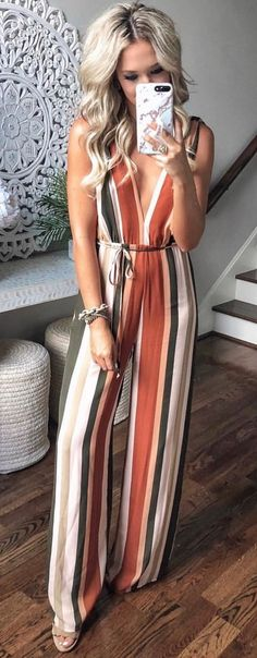 brown and beige striped sleeveless jumpsuit. brown and beige striped sleeveless jumpsuit. Summer Outfits Women, Casual Summer Outfits, Spring Outfits, Cute Outfits, Jumpsuit Elegante, Summertime Outfits, Jumpsuit Outfit, Summer Jumpsuit, Striped Jumpsuit