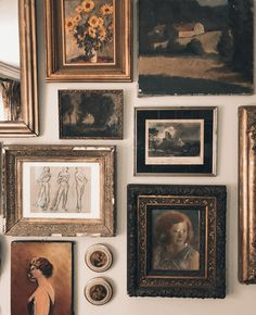 Painting Gallery, Painting Frames, Art Gallery, Gallery Wall Frames, Art Vintage, Old Paintings, Room Ideas Bedroom, Inspiration Wall, Picture Wall