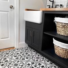 Cascais White Ornate 9x9 Matte Porcelain Tile | Tilebar.com