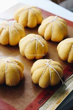El mejor pan de calabaza y oregano, receta económica y muy fácil vía www.elgatogoloso.com Pan Dulce, Pan Bread, Allrecipes, Bread Recipes, Food And Drink, Pumpkin, Favorite Recipes, Muffin, Salads