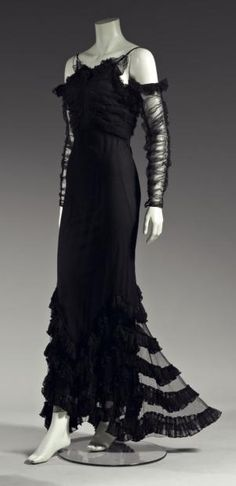 Chanel 'Gypsy' Dress - 1933 - House of Chanel (French, founded 1913) - Design by Gabrielle 'Coco' Chanel (French, 1883-1971) - @~ Watsonette