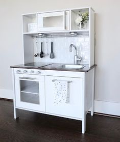 MAMA Jots: Ikea Hack : White & Modern Play Kitchen, step by step guide, Ikea hack play kitchen, play kitchen remodel, play kitchen make over& Ikea Kids Kitchen, Diy Play Kitchen, Kitchen Rack, Play Kitchens, Kitchen Modern, Kitchen Chairs, Ikea Hacks, Diy Projects Ikea, Ikea Duktig