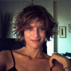 #throwback to 2007. I loved that freaking haircut  it never looked the same twice never looked bad or even mediocre. #tbt #throwbackthursday #10yearsago #selfportrait #webcamgirl