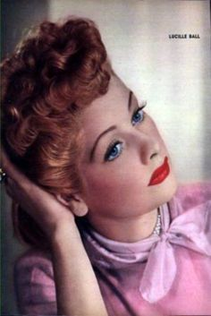 Rare foto's of young Lucy (Lucille Ball) Lucille Ball, Old Hollywood Glamour, Vintage Hollywood, Classic Hollywood, I Love Lucy, Divas, Lucy And Ricky, Desi Arnaz, Rick Y